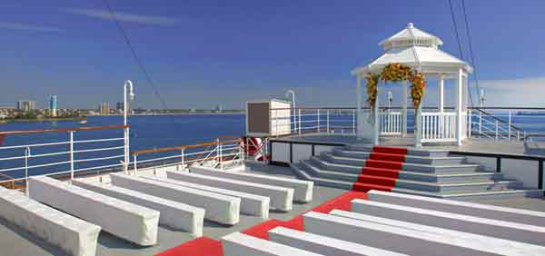 wedding officiant for queen mary weddings