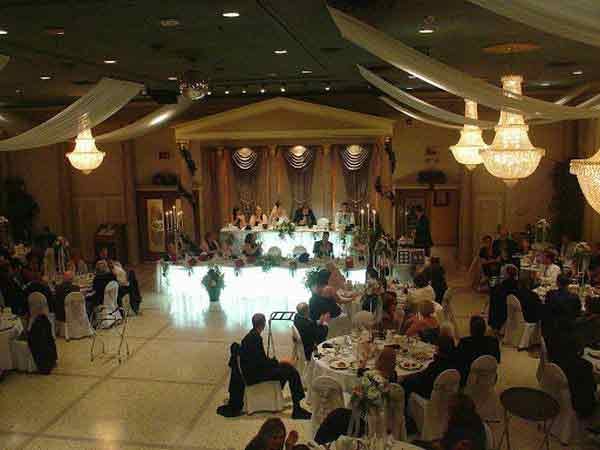 The L.A. Grand Hotel Downtown | Downtown Los Angeles Wedding Venue 1